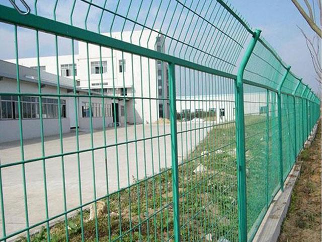 厂区锌钢护栏用多高的合适?