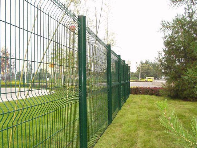 围墙护栏网安装方法及注意事项