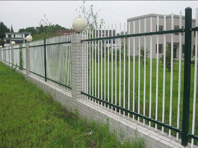 围墙护栏网保养措施
