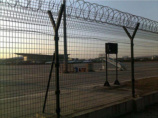 机场护栏网使用年限有多长?