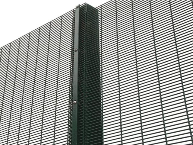 358防攀爬护栏网安装方法及立柱间距