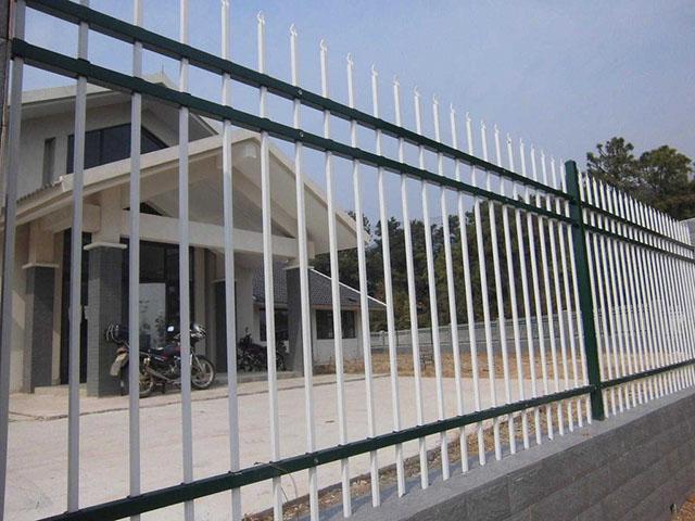 别墅锌钢护栏优点是什么呢?