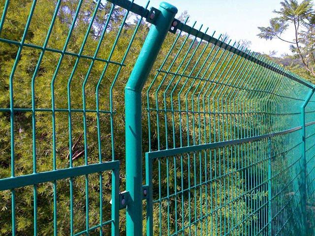 圈山护栏网施工工艺