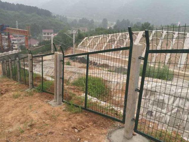 防护栅栏是哪种