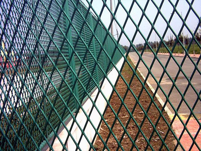 钢板网护栏网插管式产品结构特性