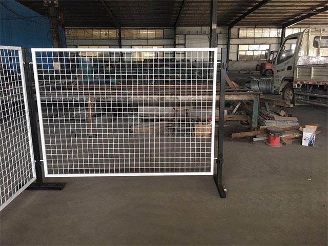 钢丝护栏网有哪些特点