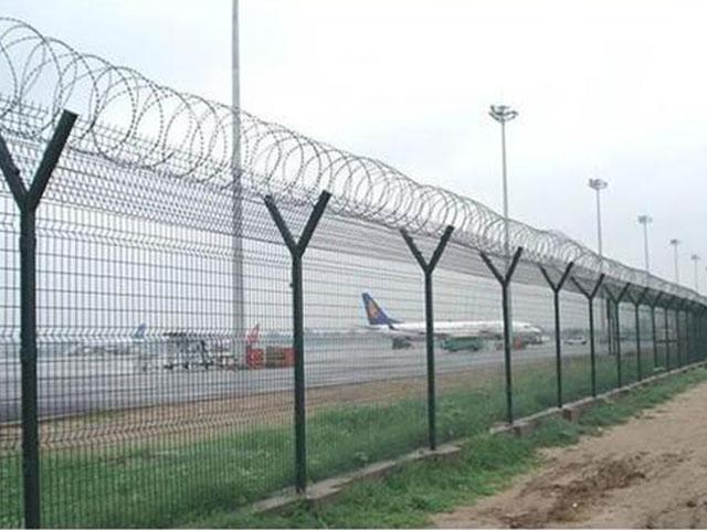 机场护栏网http://www.18931825571.com/upfile/201907/2019071640485661.jpg