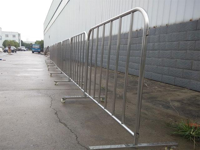 可移动护栏网正确安装你知道多少