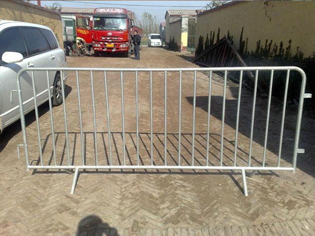 可移动护栏网装车会出现刮痕?