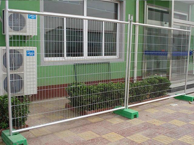 可移动围栏网安装方法