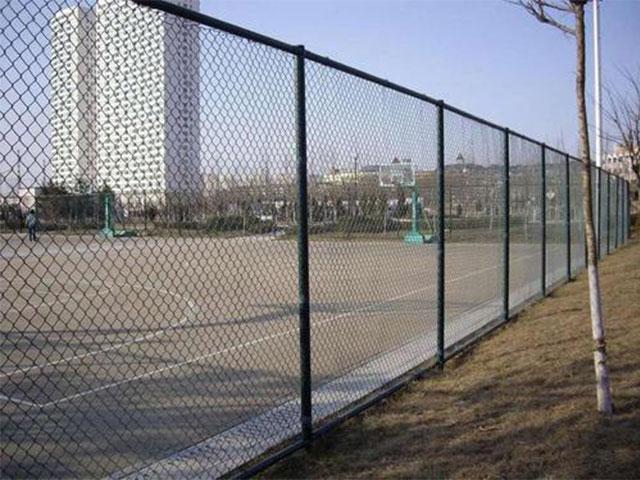 球场围栏网应该注意的几个方面