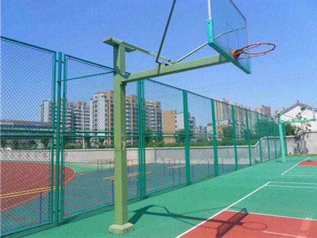 笼式足球场围网应该注意的几个方面