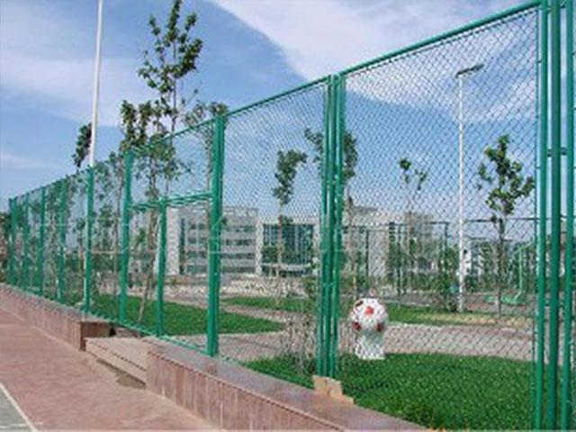 笼式足球场围网产品优势有哪些?