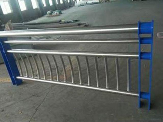 PVC栅栏多少米一个