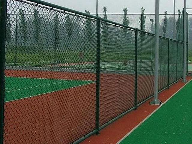 球场围栏网安装安全问题重中之重