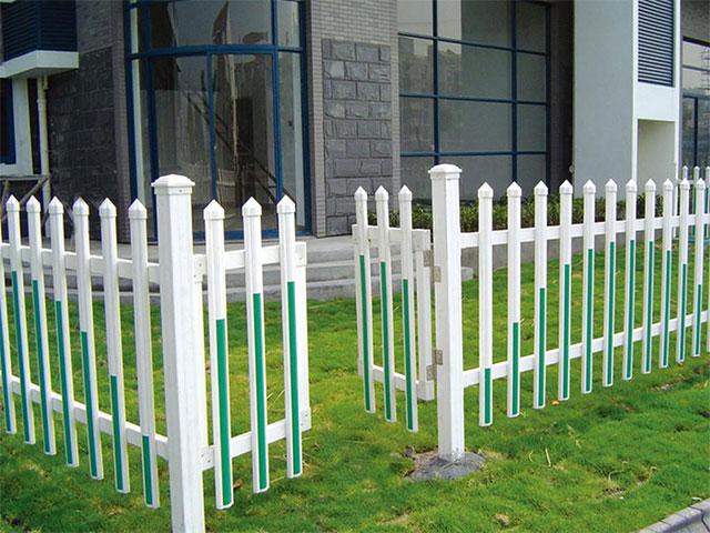 塑钢护栏表面塑层为什么会爆裂?