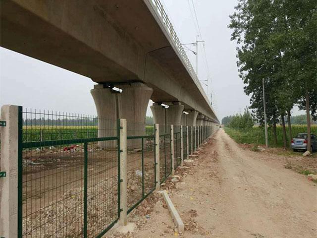 铁路防护栅栏怎么选