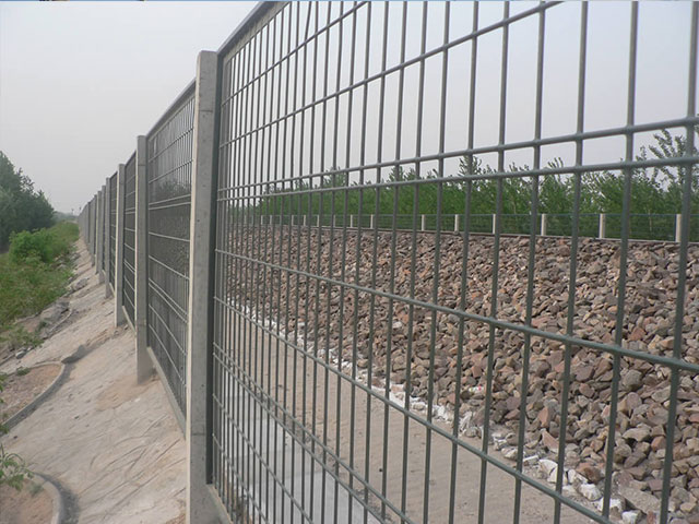 铁路防护栅栏定做