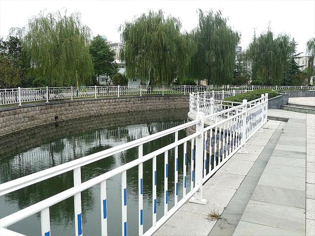锌钢道路护栏安装施工方案