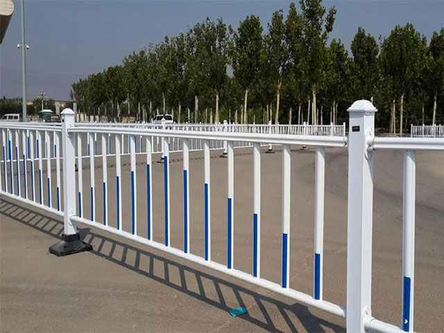 锌钢道路护栏安装过程中容易出现的问题